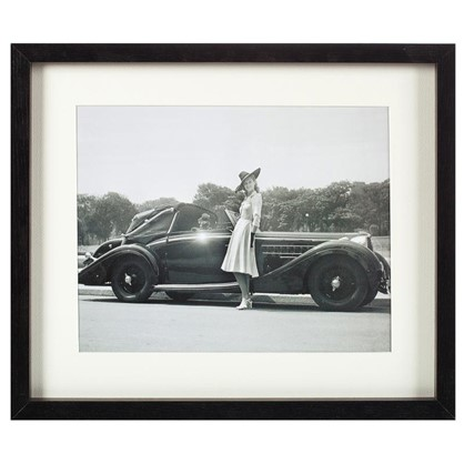 Постер в раме 33х40 см Девушка и автомобиль цена