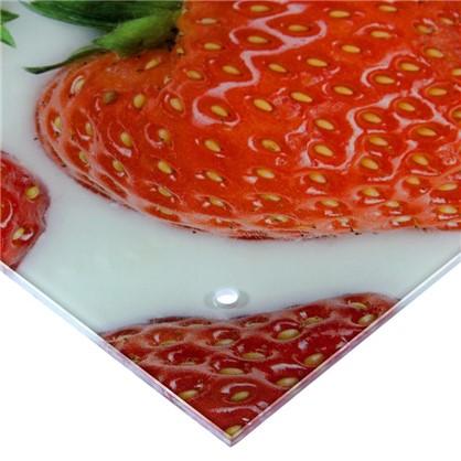 Стеновая панель Клубника 90x0.6x60 см стекло цвет бело-красный